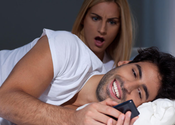10 Things Love Experts Say You Shouldn't Do in a Relationship