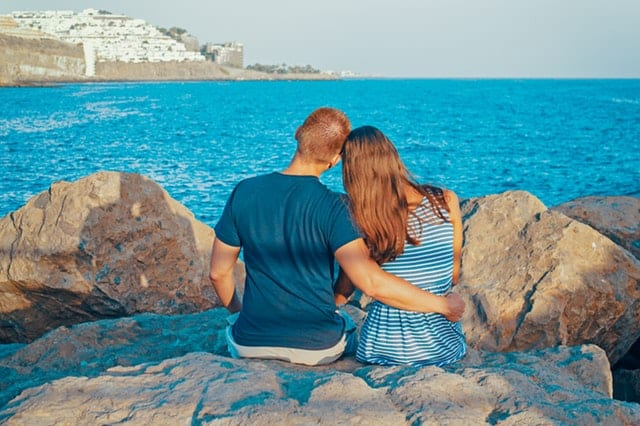 Top 6 Topics to Discuss Early in a Relationship