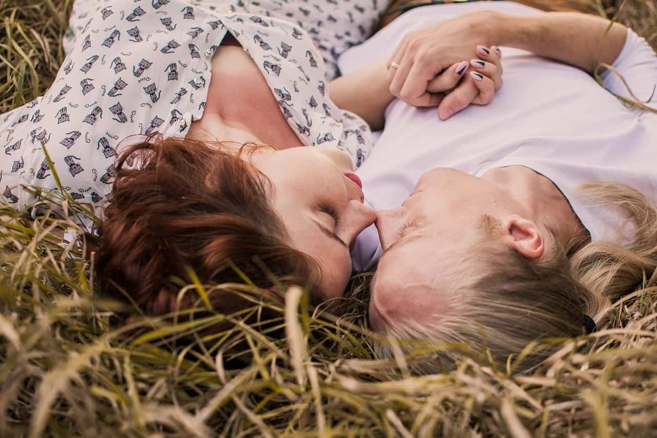 Creating Emotional Intimacy Through Pillow Talk