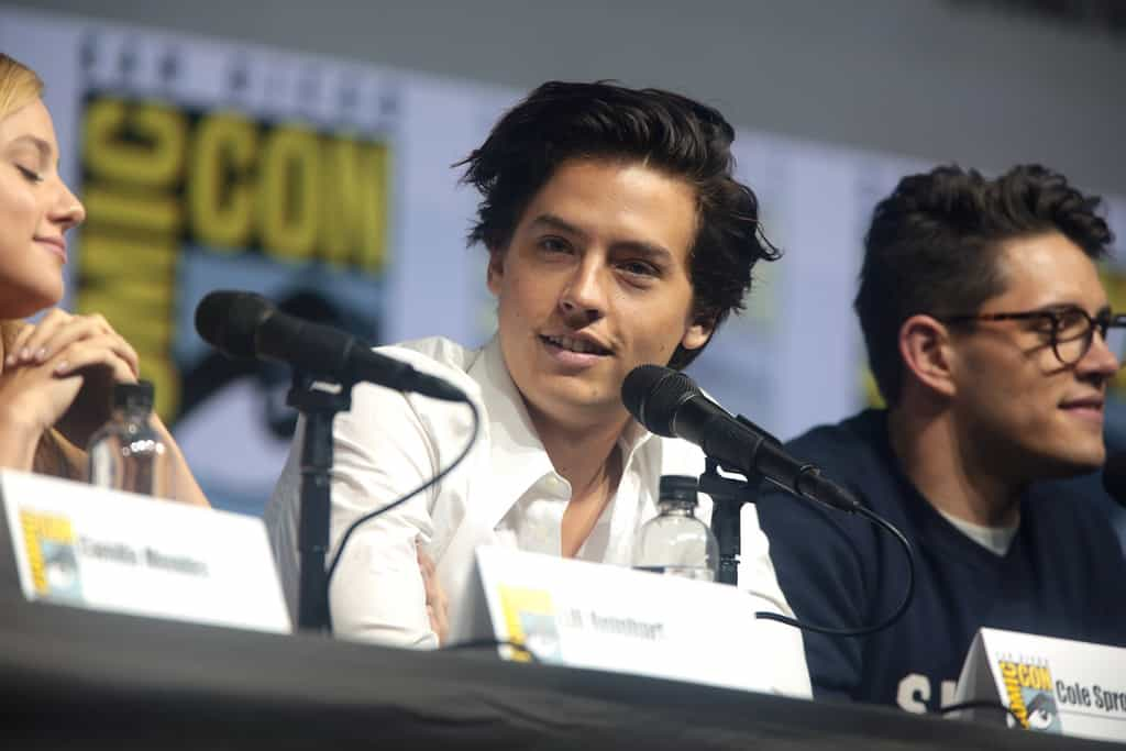 Here's Why We Think Riverdale's Betty and Jughead Are Relationship Goals