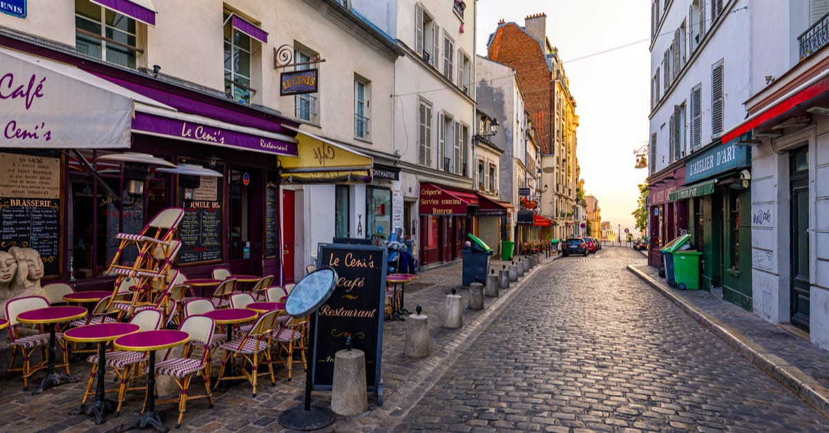 The City of Love: 9 Ideas and Things to Do on a Date in Paris