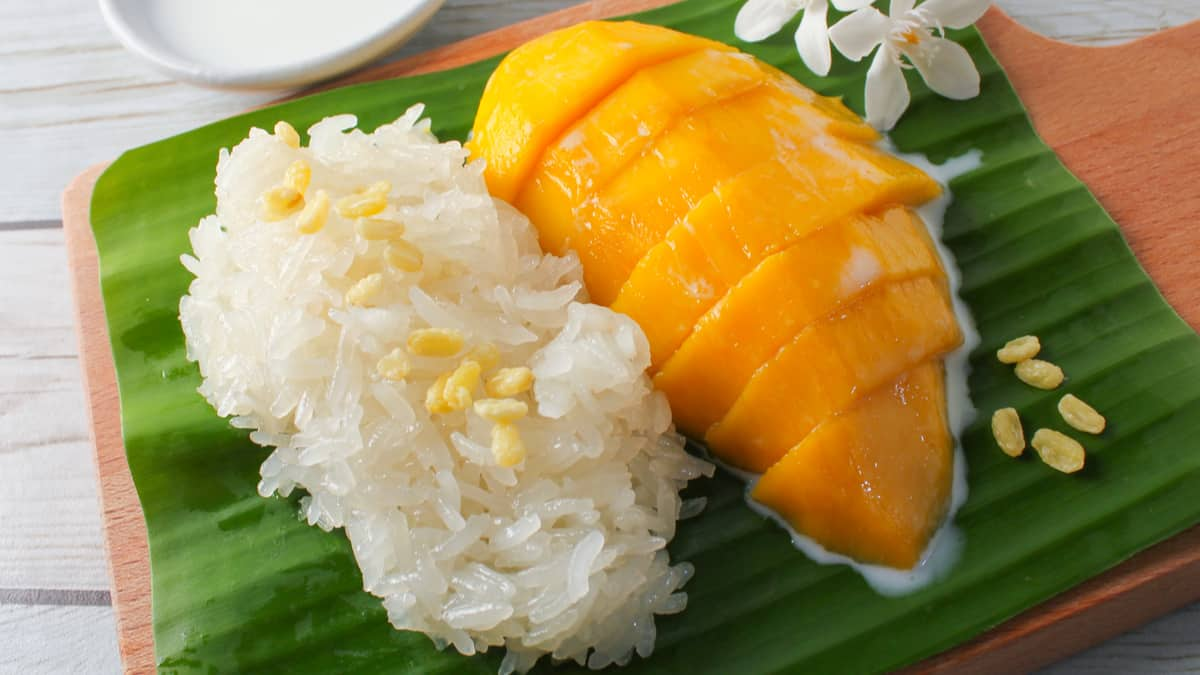 How to Prepare an Authentic Sticky Rice with Mango?