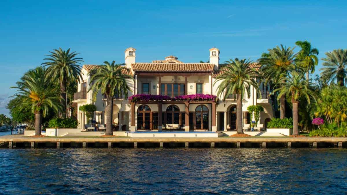 7 Villa Rentals for the Perfect anniversary Date