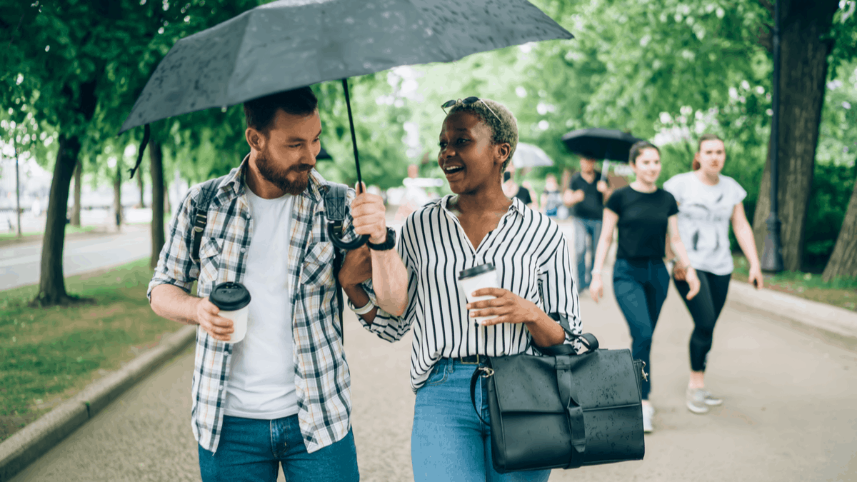 10 Reasons to Go for a Walk With Coffee on a First Date